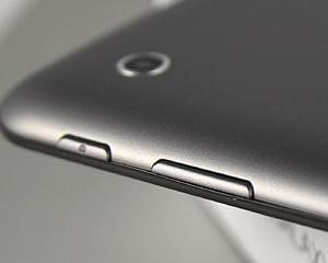 Peste un miliard de camere foto au fost livrate prin intermediul smartphone-urilor si tabletelor in 2012