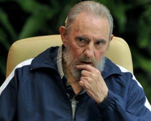Fidel Castro demisioneaza din functia de sef al Partidului Comunist