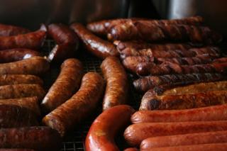 Lista neagra a alimentelor din comert. Carnatii si salamul