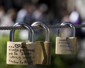 Utilizatorii autentificati de Google Search se vor bucura de securitate sporita