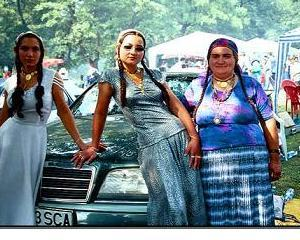 Romii isi serbeaza sambata Ziua Nationala