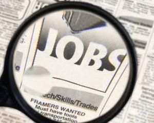 Executivul a redus perioada in care angajatorii trebuie sa pastreze somerii angajati