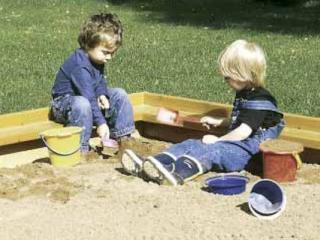 Copiii care se joaca cu prietenii sunt mai sanatosi