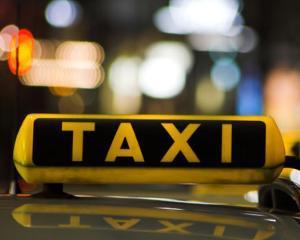 Plimbarea cu taxiul:O placere in Barcelona, experienta ingrozitoare la Roma. Bucurestiul lipseste din studiu…