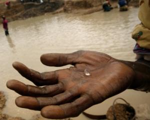 Comoara din Sierra Leone: Un roman detine o mina de diamante in zona