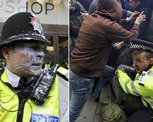 LONDRA: Sute de mii de londonezi protesteaza impotriva masurilor de austeritate anuntate de guvern