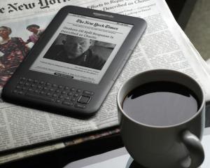 Ai un Kindle? Amazon lanseaza o biblioteca de carti electronice