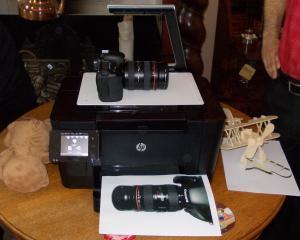 Fa cunostinta cu primul multifunctional laser cu scaner 3D din lume, HP LaserJet TopShot Pro M275