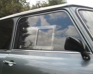 Peste cativa ani tot mai multe automobile vor avea parbrizele realizate din plastic policarbonat