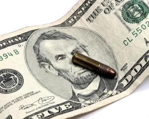Capcana banilor negri