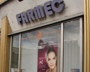 Chapter 4 Romania comunica pentru Farmec SA Cluj-Napoca
