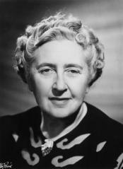 Agatha Christie dezleaga inca mistere
