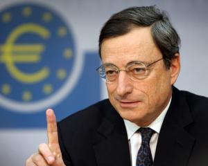 BCE a pastrat dobanda la minim, dar este pregatita sa o reduca