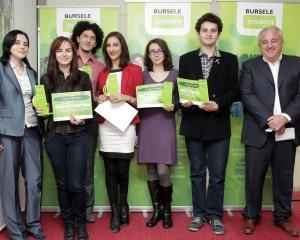 COSMOTE Romania anunta castigatorii celei de-a treia editii a Burselor COSMOTE
