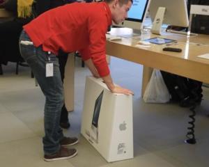 Tim Cook: O linie de iMac-uri va fi produsa in SUA