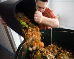 La nivel global, intre 30 si 50% din mancare este aruncata la gunoi