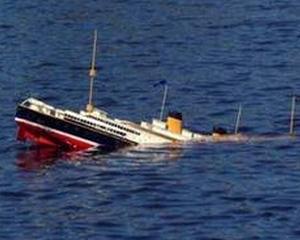 O nava scufundata in Dunare pune in pericol ecosistemul