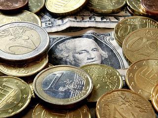 Euro musca din dolarul american