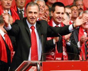 Mircea Geoana mai vrea o data... presedinte