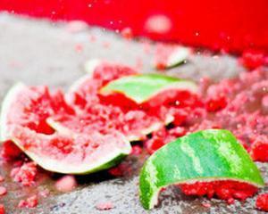 Dezastru dulce in China: Pepenii tratati cu chimicale explodeaza