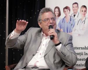 Cu ocazia aniversarii a 20 de ani de la infiintare, Wizrom ofera burse de studii pentru sase medicii rezidenti din Romania