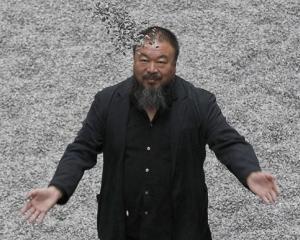 Ai Weiwei, acuzat de bigamie