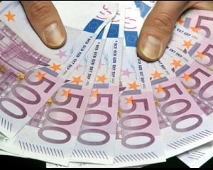 Euro nu a confirmat previziunile sumbre ale analistilor si o duce bine