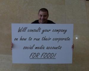 ANALIZA: Cele mai multe companii NU isi vor extinde personalul responsabil cu social media in 2013