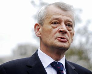 UNPR vrea sa-l detroneze pe primarul Oprescu