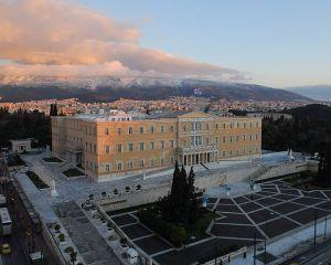 Grecia: La patru ani dupa ce si-a omorat primarul cu un Uzi, un subaltern se afla inca pe statul de plata
