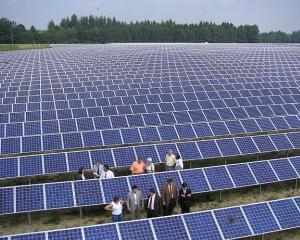 Parcul fotovoltaic din Mehedinti va incepe sa produca din 2013