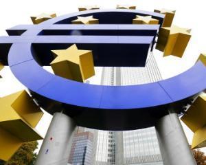 Cine se angajeaza sa protejeze euro