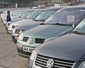 Taxa de inmatriculare striveste vanzarile de autoturisme second-hand