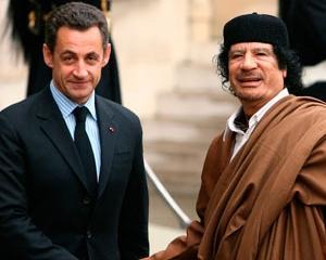 Sarkozy, prins intre afaceri si politica