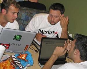 Hackerii romani au pagubit 200 de companii americane