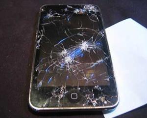 Americanii au cheltuit 6 miliarde de dolari pentru a-si repara iPhone-urile, incepand cu anul 2007