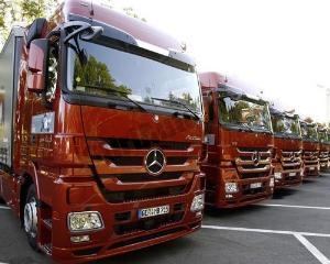 Scad vanzarile de vehicule pentru pasageri, cresc cele pentru transport marfa