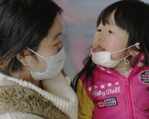 CUTREMUR JAPONIA 2011: Numarul mortilor este estimat la 18.000. Reconstructia va costa peste 235 de miliarde de dolari. Mancarea, apa, ploaia si praful sunt contaminate radioactiv