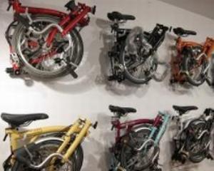 Pe doua roti: Ciclissimo vrea sa vanda 350 de biciclete Brompton in sezonul 2011