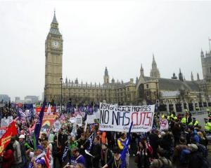 Britanicii protesteaza impotriva masurilor de austeritate