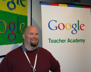Google ii sponsorizeaza pe profesorii de informatica din Marea Britanie