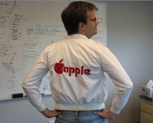 Apple este acum al treilea cel mai mare producator mondial de telefoane mobile