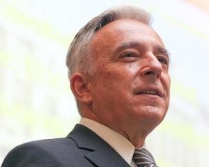 Isarescu: BNR pregateste masuri prudentiale de descurajare a creditarii in valuta pentru cei cu venituri in lei