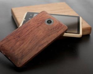 ADzero, primul smartphone din bambus, intra in productie