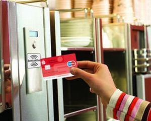 Peste 65% dintre cititorii Conso ar face plati contactless in supermarketuri si benzinarii [SONDAJ]