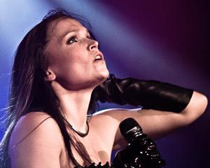 Tarja Turunen, artista care rezoneaza in gama