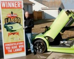 Un american a facut praf un Lamborghini la sase ore dupa ce l-a castigat la un concurs