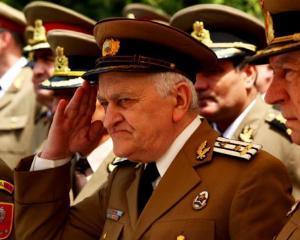 Pensionarii militari vor beneficia de legitimatii speciale