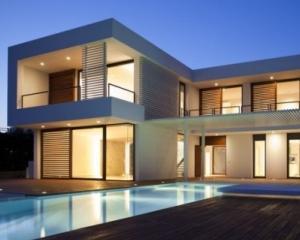 Spania vinde 700.000 de case din