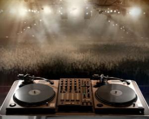 TOP 10: Cei mai bine platiti DJ din lume